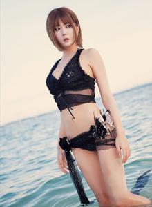韩国美女许允美性感蕾丝比基尼沙滩泳装美女写真集