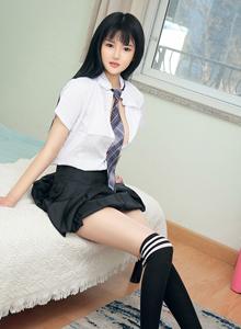 尤果网模特桃子制服诱惑黑丝长筒袜性感美女高清写真集
