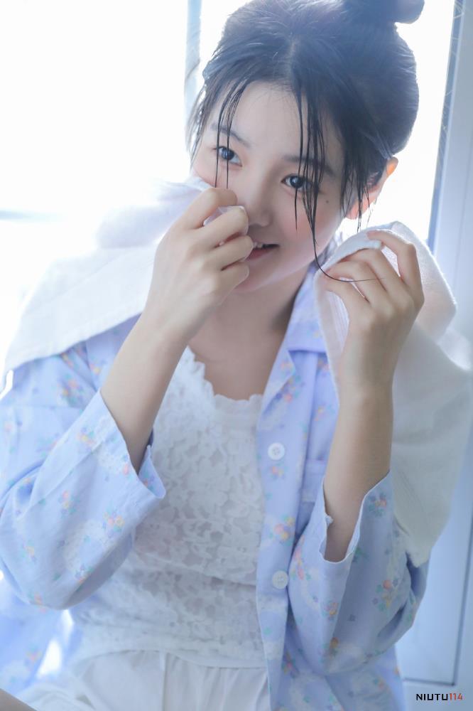 活力四射清纯MM格子衬衫美女治愈系高清写真图片