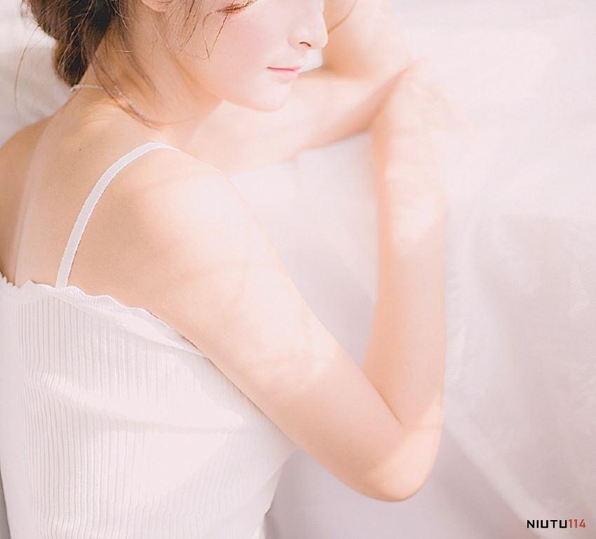 娇艳美女模特清纯女神治愈系私房性感白嫩大长腿写真图片