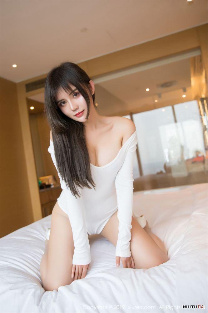 Cris卓娅祺爆乳性感美女美腿极致诱惑秀人网No.1401无圣光写真集