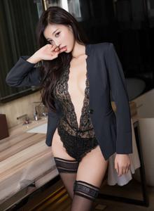 蕾丝美女杨晨晨一袭镂空黑丝魅惑 [语画界XIAOYU]Vol.013写真集