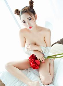 [秀人網XIUREN]李梓熙性感巨乳美女尤物黑絲誘惑No.985寫真集