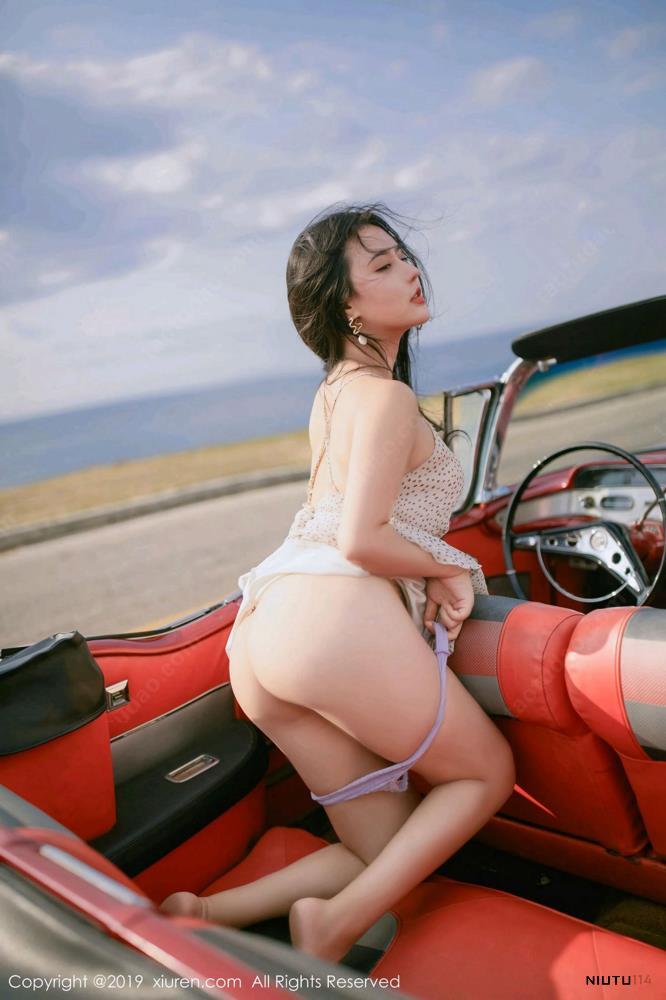 Manuela玛鲁娜复古车外拍下美臀[秀人XIUREN] No.1463写真集