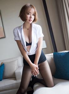 语画界美女模特陈雅雯角色扮演性感女秘书OL黑丝诱惑第三套写真发布
