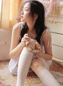 性感吊带美女白丝美腿可爱小仙女妖娆写真图片