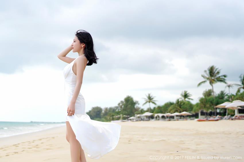 嗲囡囡施忆佳KITTY酱比基尼美女图片_洁白长裙美女沙滩写真图