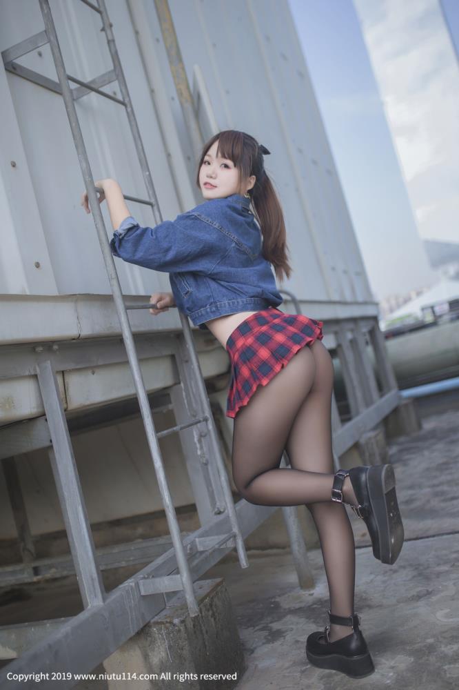 性感美女主播_萌妹子Yoko宅夏_童颜巨乳黑丝诱惑高清大图