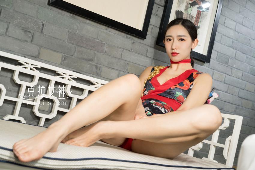 克拉女神学姐姜璐性感美腿裸足控私房诱惑 美腿美足高清大图写真集
