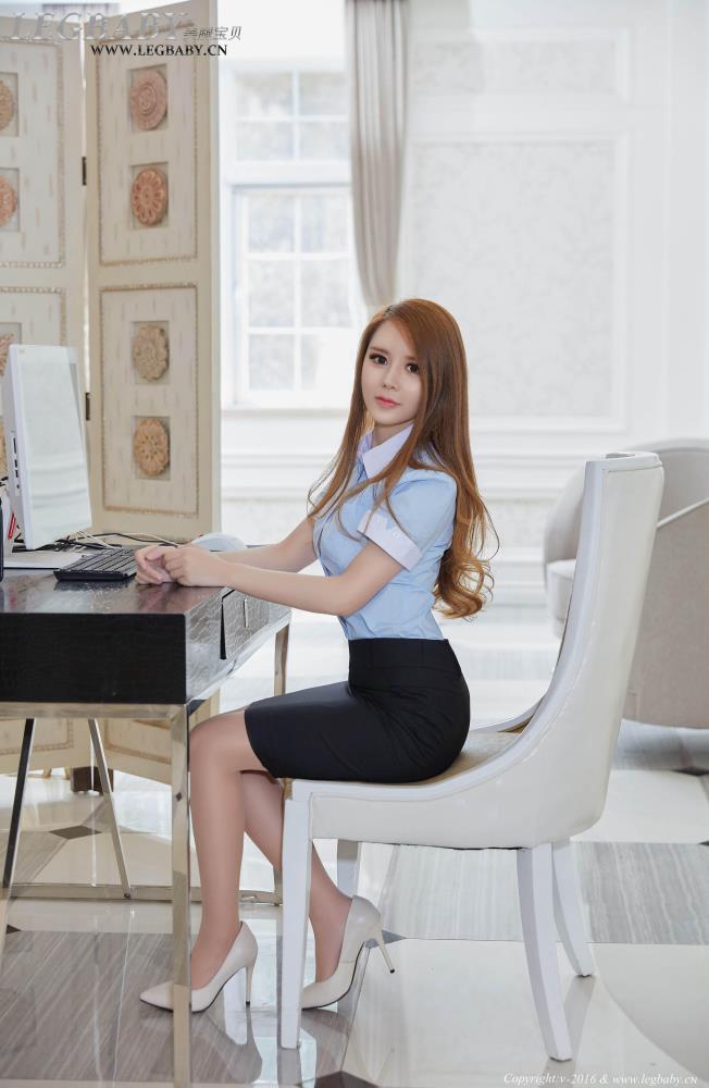 美腿宝贝乔柯涵小秘书制服诱惑丝袜美腿性感美女写真集