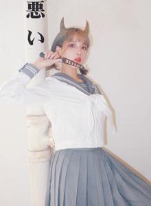 半次元美女泽里的水坑-Jk制服小姐姐Cosplay写真图片