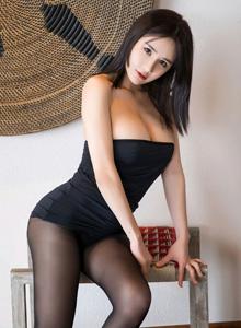 语画界琳琳ailin丰满美胸美女性感黑丝美腿曼妙灵动大尺度写真图片