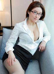 秀人网任莹樱Jenny办公女秘书制服OL丰满巨乳美女写真集