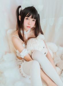 网络人气COSER桜桃喵性感可爱萌妹子白丝诱惑无下限美女写真集