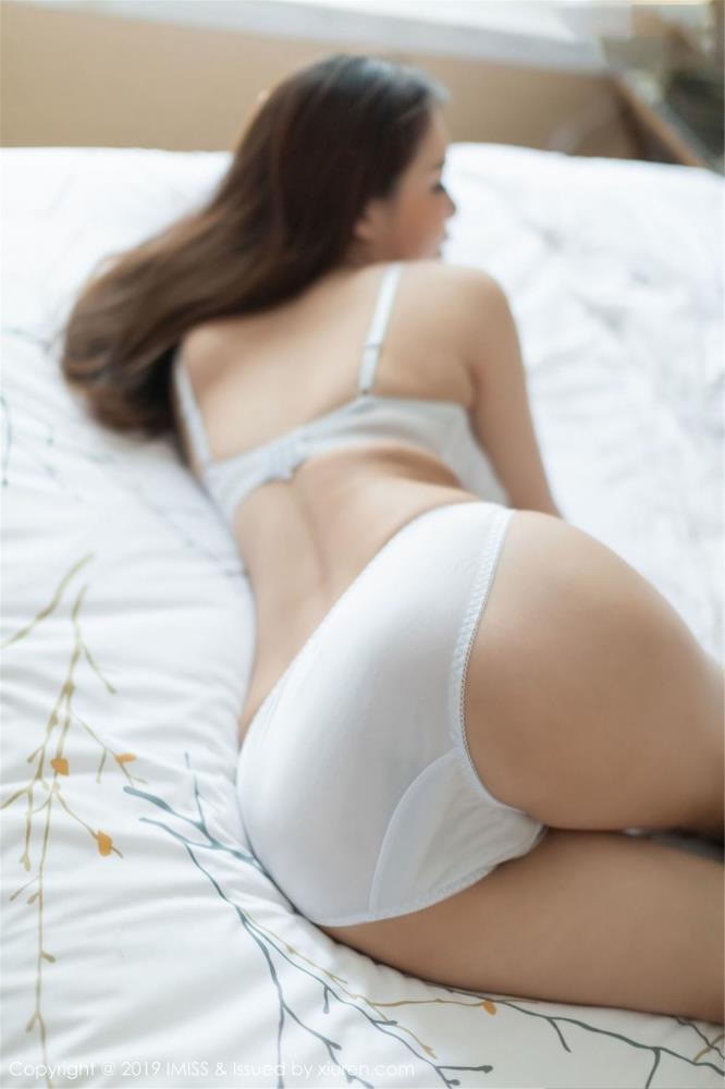 性感肉丝美腿丝袜诱惑私房 - [IMiss爱蜜社]模特夏小秋秋秋丝袜美女写真