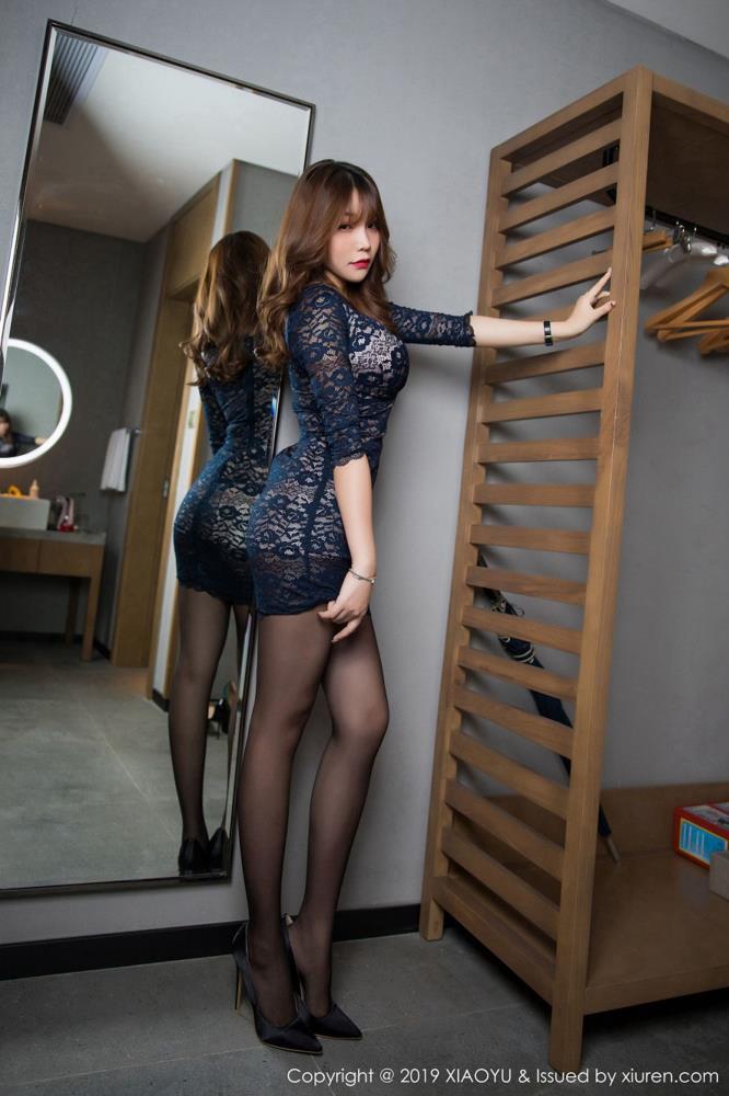 黑丝美女美腿女神性感私房照 -[XIAOYU语画界]@芝芝Booty性感黑丝写真