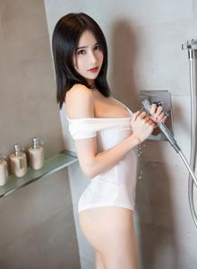 女神小沫琳 - [XIAOYU语画界]Vol.060丰满巨乳翘臀美女私房写真照