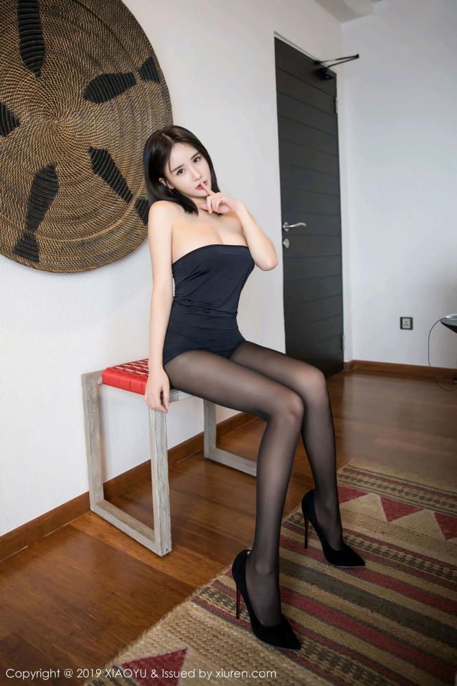 小沫琳第三套写真 -[XIAOYU语画界]Vol.030性感黑丝美女美胸诱人