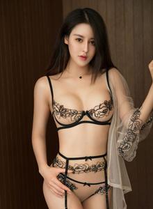 叶佳颐青豆客 - 大长腿美女蕾丝内衣若有若无大尺度私房美女图片