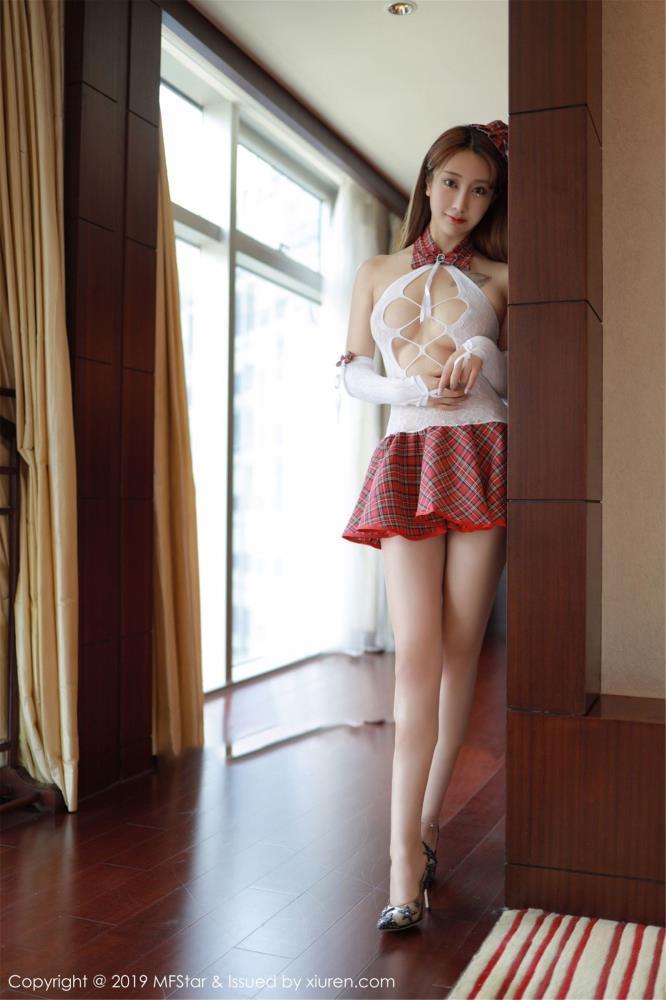 Betty林子欣学生制服性感美女写真 - 模范学院Vol.208高清美女套图