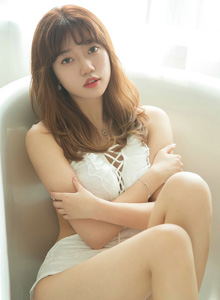 尤果圈No.1540甜心天使草莓酱性感美女私房翘臀巨乳美女套图