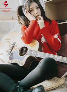 莫晓希 - 高挑双马尾性感美女主题写真 - 头条女神吉他少女写真套图