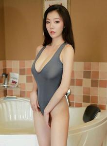 [XIUREN秀人网]No.1614丰胸细腰翘臀性感美女蕾丝诱惑浴室写真