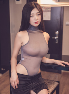 宋-KiKi《办公职场的无限诱惑》 [秀人网] No.1417 性感美女巨乳写真集