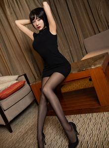 何嘉颖语画界 - 性感内衣美女黑丝美腿系列大尺度私房美女写真集