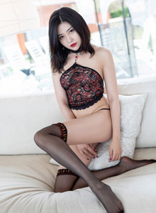 许诺Sabrina爱蜜社 - 镂空内衣美女与黑丝玉足性感诱人私房照