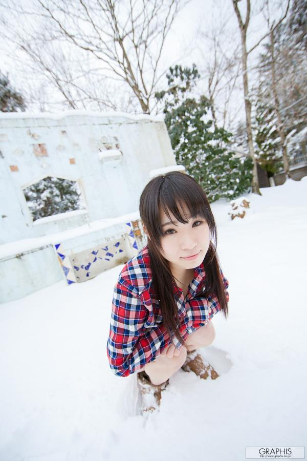 北川柚子 - 初脫ぎ娘日本清纯双马尾妹子冬日雪季户外美女写真集