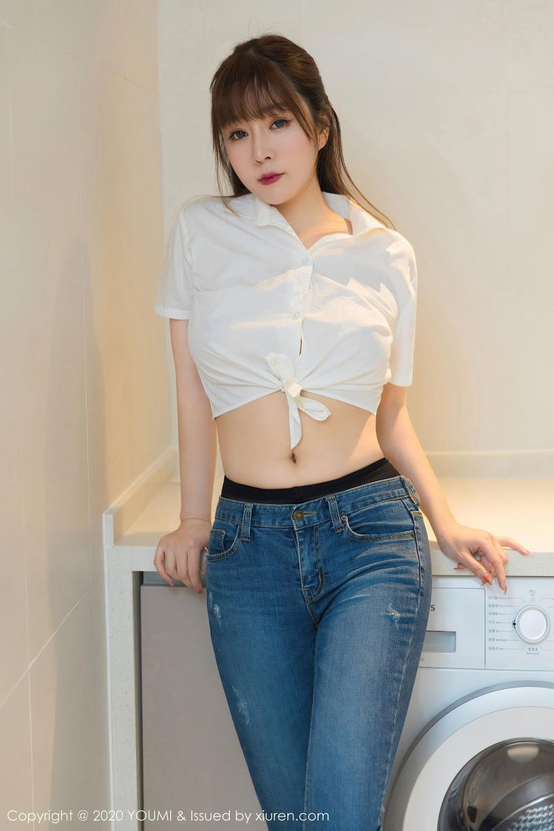尤蜜荟王雨纯美女套图 - 经典白衬衫与极致黑丝袜独特熟女妩媚