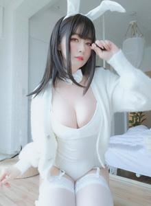 性感小姐姐白丝诱惑兔女郎巨乳美女高清套图写真