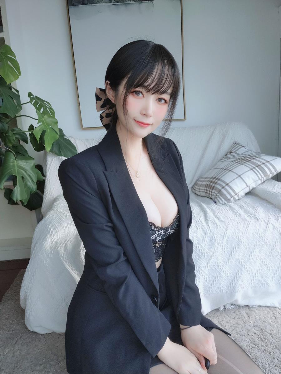 性感颜值御姐黑丝袜美腿诱惑私房无圣光高清美女套图