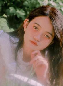 清纯少女慵懒写真图片