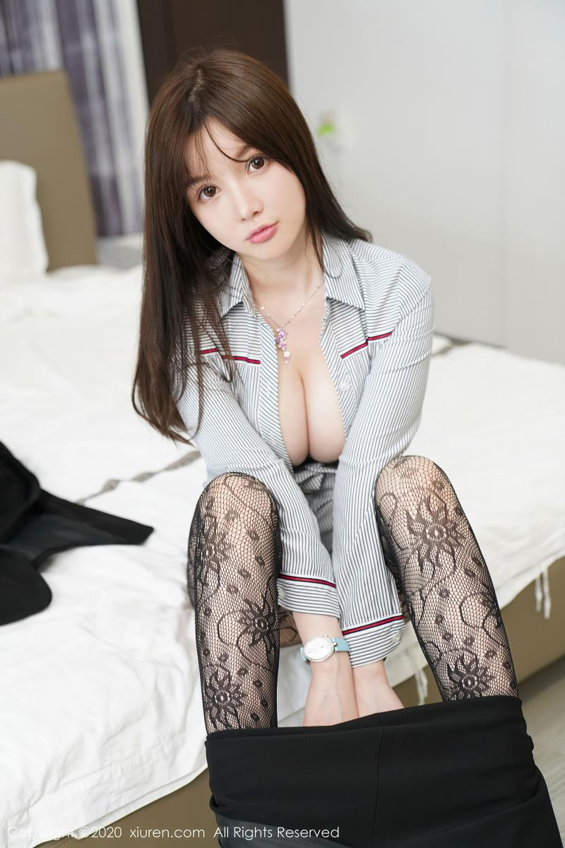 经典的职场0L网袜黑丝美女系列(秀人网糯美子Mini黑丝写真)