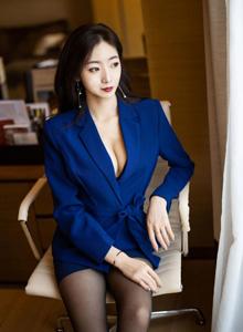 黑丝美腿诱惑OL职业装美女写真集 (语画界模特安琪Yee)