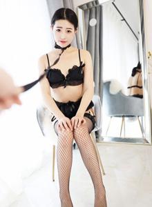 美媛馆童丹娜黑丝网袜诱惑性感情趣美女私房写真足控福利童丹娜